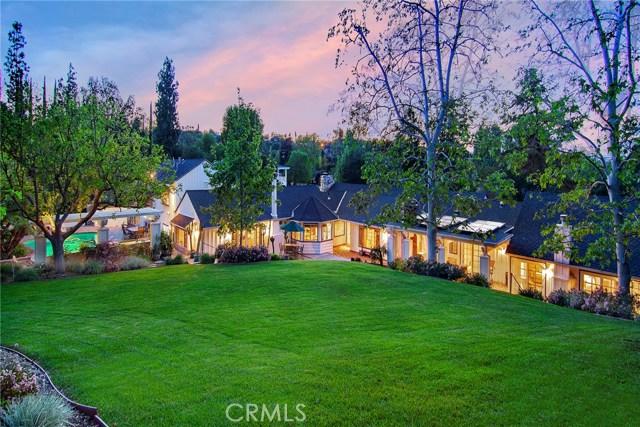 20000 Wells Drive, Woodland Hills, CA 91364