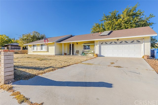 16405 Stagecoach Avenue, Lake Los Angeles, CA 93591