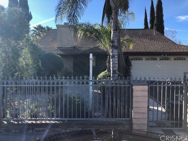 15224 Knapp Street, North Hills, CA 91343