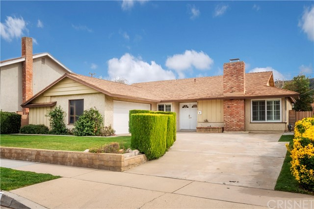 21112 Kingscrest Drive, Saugus, CA 91350