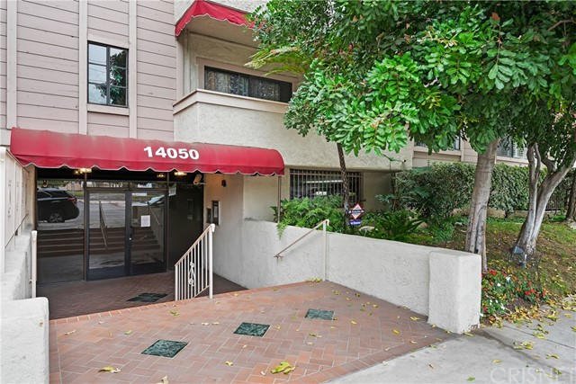 14050 Magnolia Boulevard 202, Sherman Oaks, CA 91423