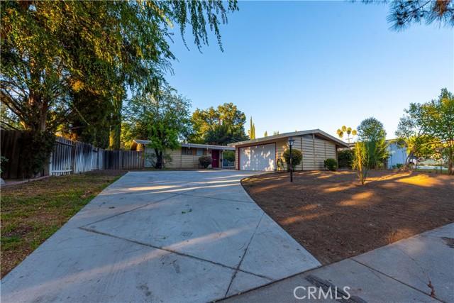 Photo of 22841 Calabash Street, Woodland Hills, CA 91364