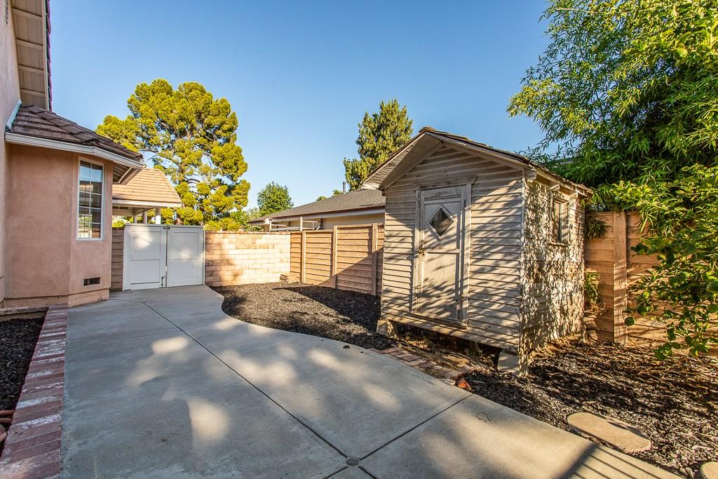 8981 White Oak Av, Sherwood Forest, CA 91325 Photo 35