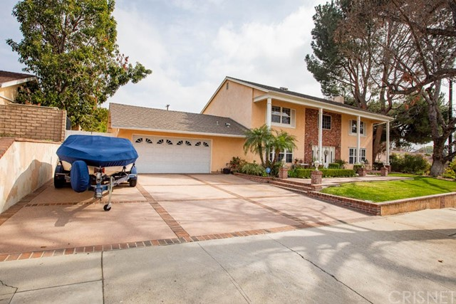 Photo of 9500 Encino Avenue, Northridge, CA 91325