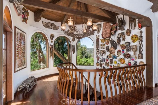 Photo of 640 Wonder View Drive, Calabasas, CA 91302
