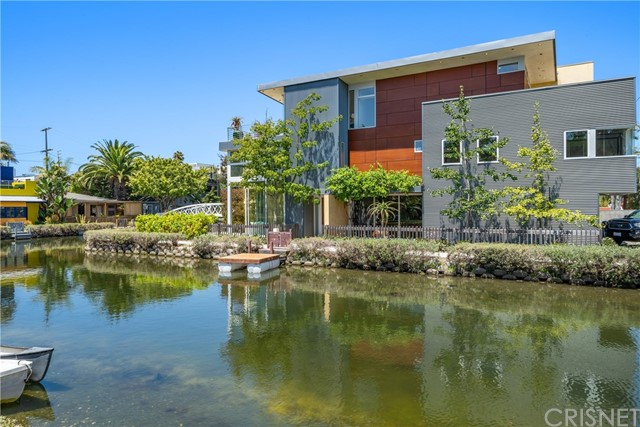 Photo of 2420 Grand Canal, Venice, CA 90291