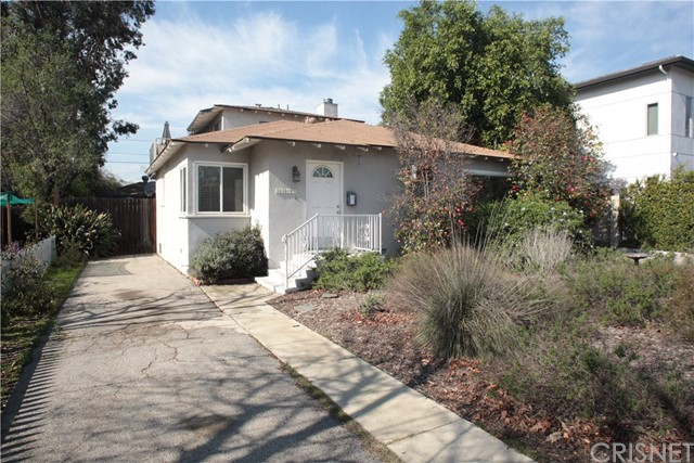 6609 Costello Avenue, Valley Glen, CA 91405