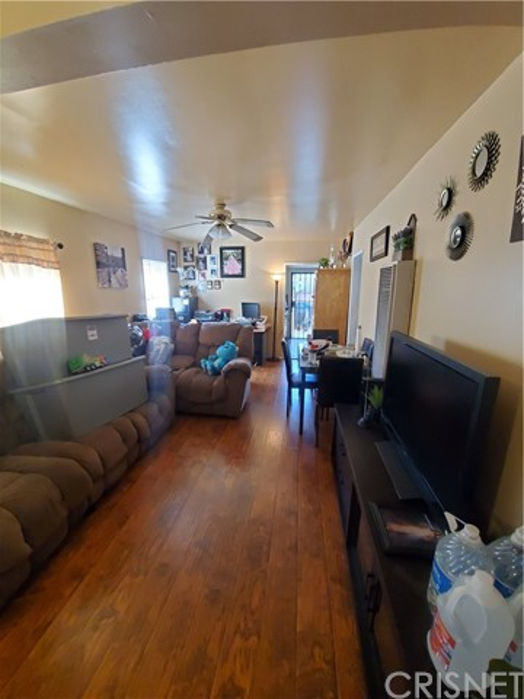 Back unit living room