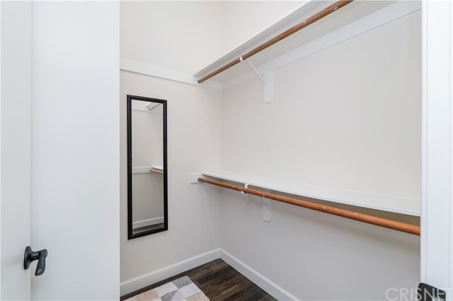 Image 14 of 816 N Mansfield Ave, Hollywood, CA 90038