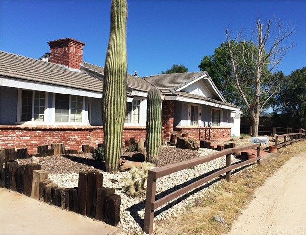 This property may be the investor's dream you have been waiting for. This single-story home has 5 bedrooms 3 baths, 2550 sq ft of living space and sits on .5 acre of flat land. Price reflects needed repairs and updates to the home.