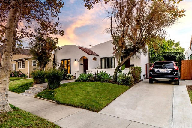 Image 2 of 816 N Mansfield Ave, Hollywood, CA 90038