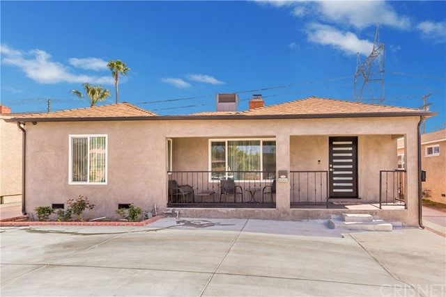 8066 Hinds Avenue, North Hollywood, CA 91605