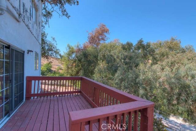 10235 Wheatland Avenue, Sunland, CA 91040