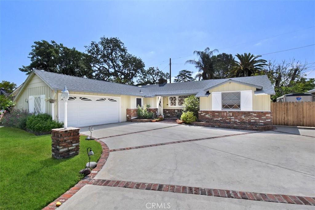 23068     Ostronic Drive, Woodland Hills CA 91367