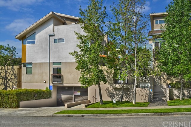 11815 Laurelwood Drive 15, Studio City, CA 91604