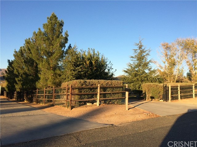 2515 Trails End Rd, Acton, CA 93510 Photo 1