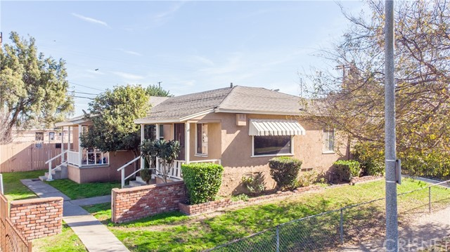 9442 S Manhattan Place, Los Angeles, CA 90047