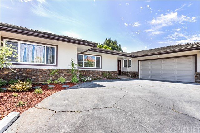 207 N Bowling Green Way, Brentwood CA 90049 - House for Sale