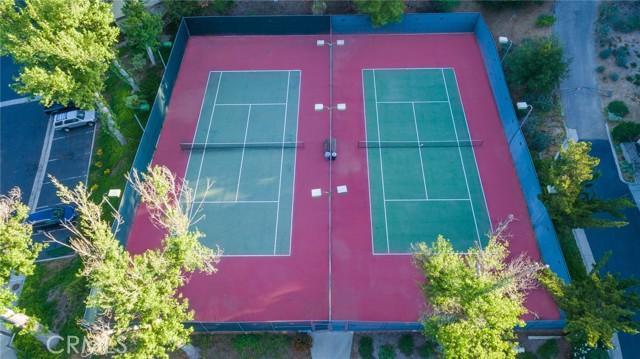 26. 66 Mockingbird Court Oak Park, CA 91377