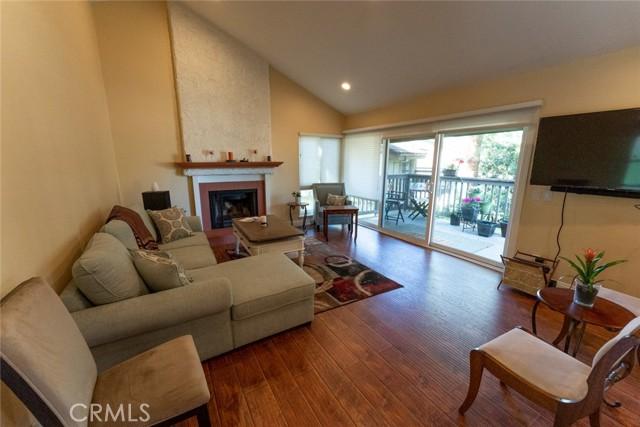4. 66 Mockingbird Court Oak Park, CA 91377