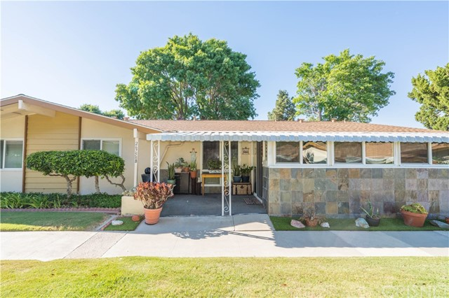 26758 Whispering Leaves Drive B, Newhall, CA 91321