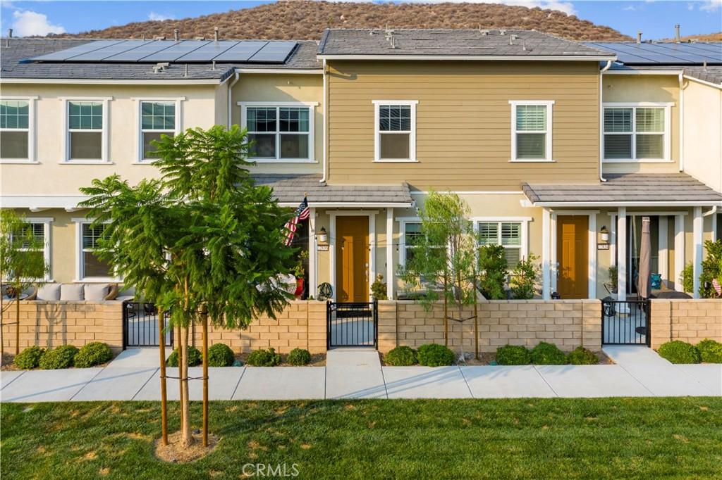 22836     Concord Drive, Saugus CA 91350