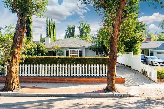 Photo of 22130 Costanso St, Woodland Hills, CA 99364