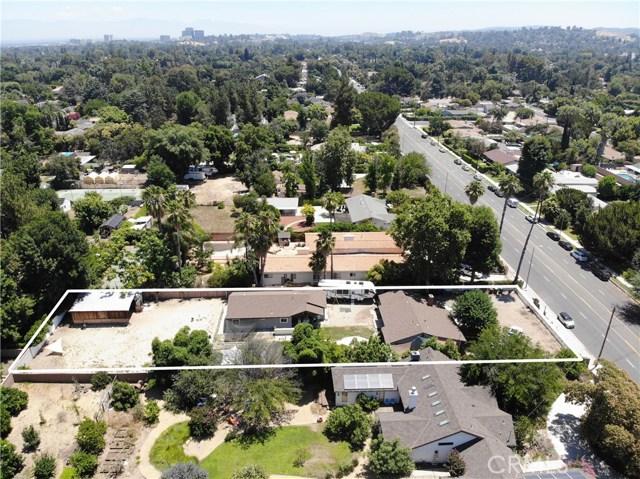 23501 Burbank Boulevard, Woodland Hills, CA 91367