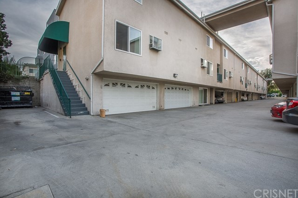 8828 Burnet Avenue 10, North Hills, CA 91343