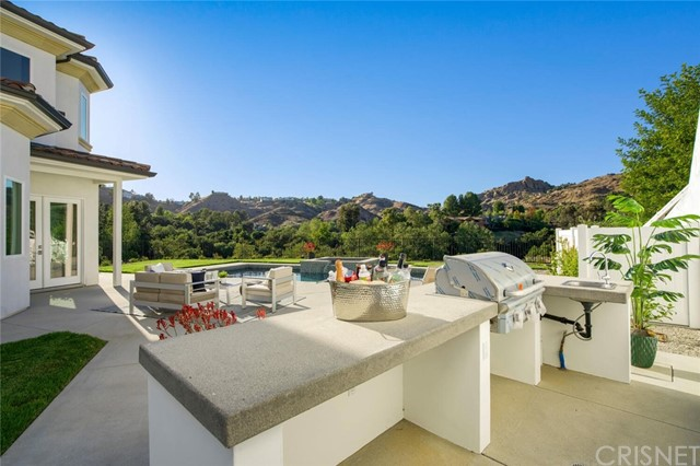 34. 208 Bell Canyon Road Bell Canyon, CA 91307