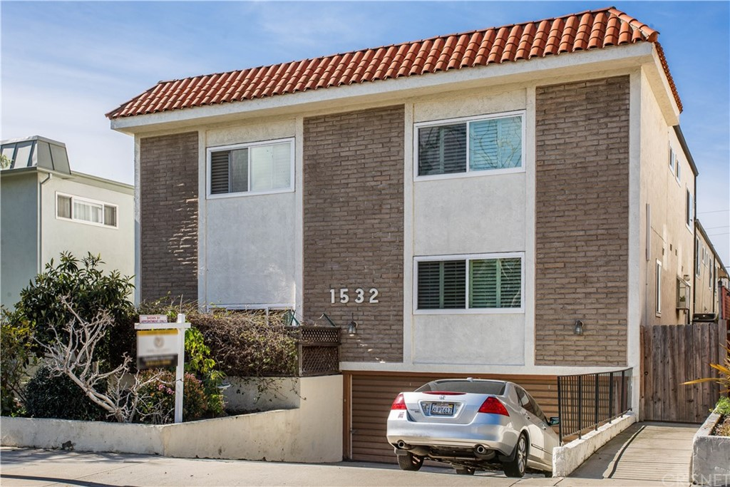 Photo of 1532 BERKELEY STREET #6, Santa Monica, CA 90404