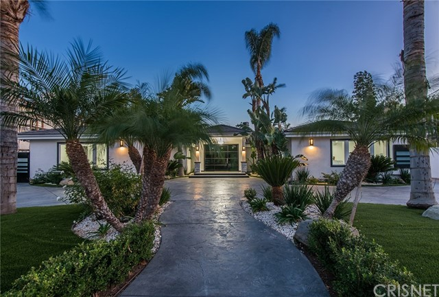 Photo of 23104 Dolorosa Street, Woodland Hills, CA 91367