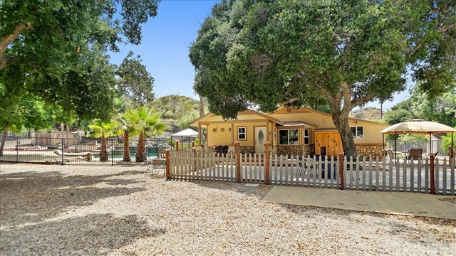 15807 Whitewater Canyon Road, Canyon Country, CA 91387