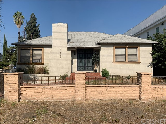 13559 Burbank Boulevard, Valley Glen, CA 91401