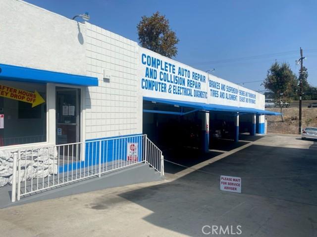 Photo of 19717 Ventura Boulevard, Woodland Hills, CA 91364