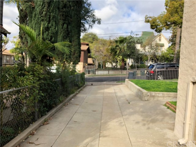 1390 N Marengo Av, Pasadena, CA 91103 Photo 36