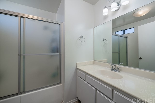 14325 Foothill Bl, Lakeview Terrace, CA 91342 Photo 14