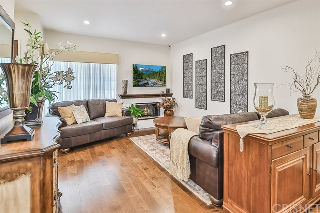 386 Country Club Dr, Simi Valley, CA 93065 Photo