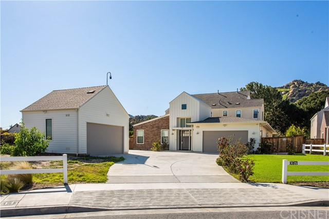 10871 Bee, Chatsworth, CA 91311