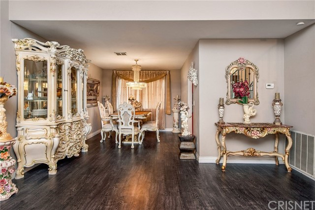 17918 Raymer St, Sherwood Forest, CA 91325 Photo 5