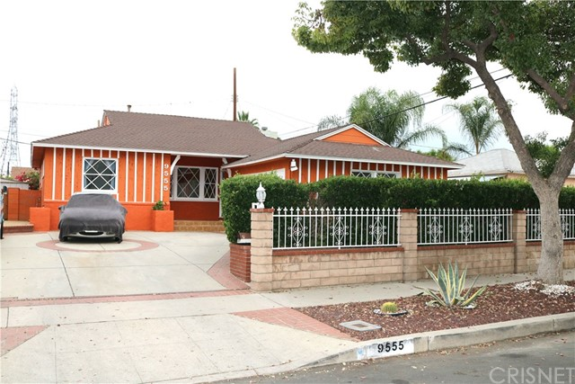 9555 Obeck Avenue, Arleta, CA 91331