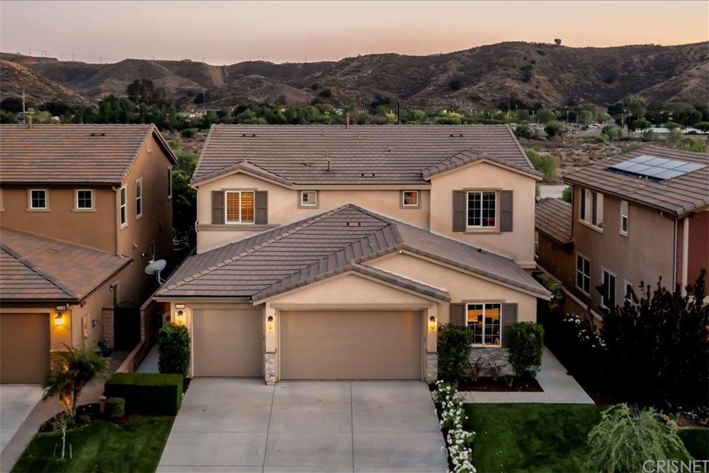 22518     Brightwood Place, Saugus CA 91350