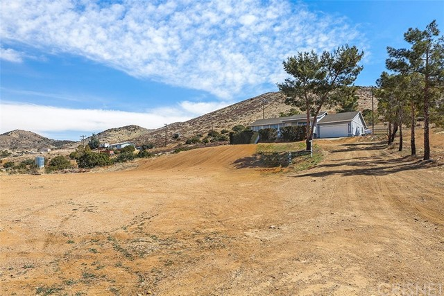 34640 Eager Rd, Acton, CA 93510 Photo 2