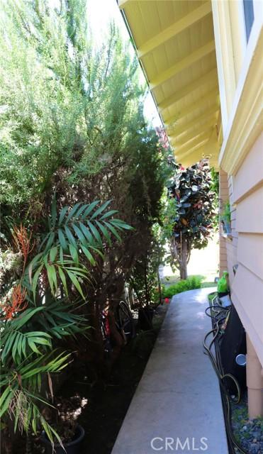 19. 3529 6th Avenue Los Angeles, CA 90018