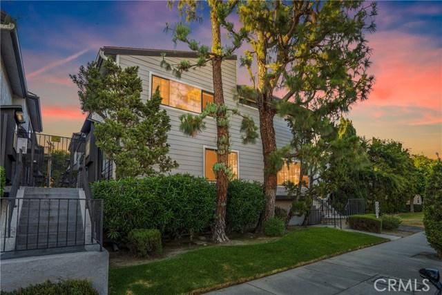 12411 Riverside Drive 4, Valley Village, CA 91607