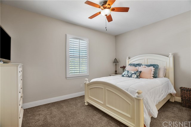 32. 27002 Maple Tree Court Valencia, CA 91381