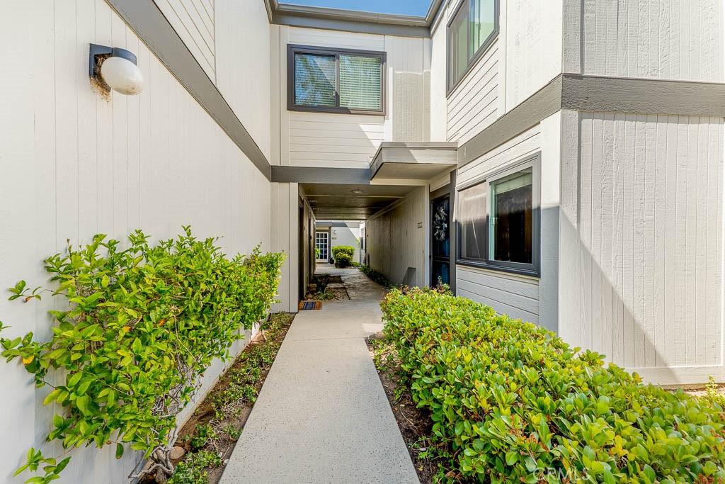 6458     Twin Circle Lane   2, Simi Valley CA 93063