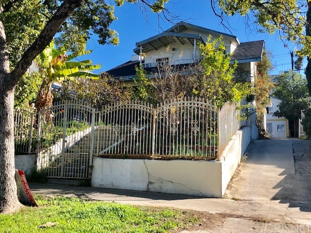 214 S Rampart Boulevard, Los Angeles, CA 90057