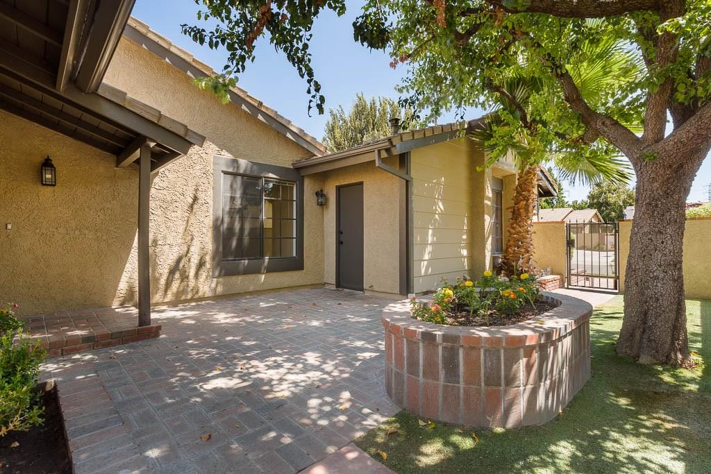 25979 Pueblo Drive, Valencia, CA 91355