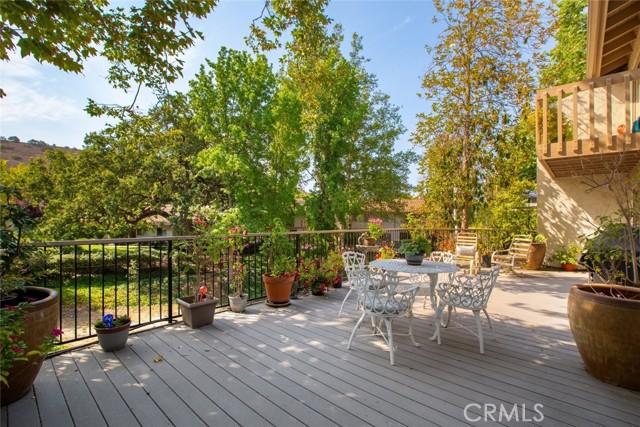 7. 694 N Valley Drive Westlake Village, CA 91362